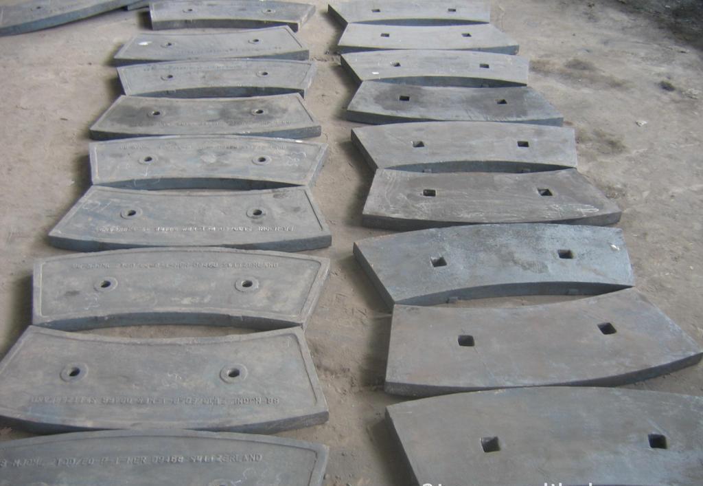 水泥磨磨辊衬板